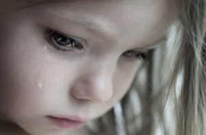 little-girl-crying3